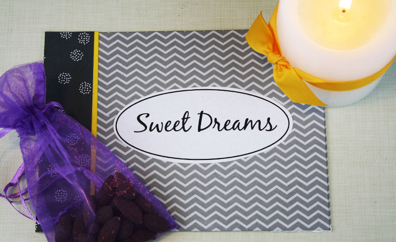 sweet dreams pillow case holder